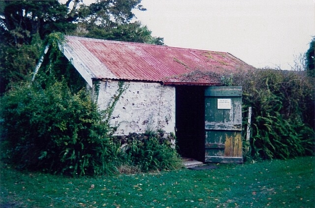 Williams House Paihia - the stone shed in 1996 before restoration started